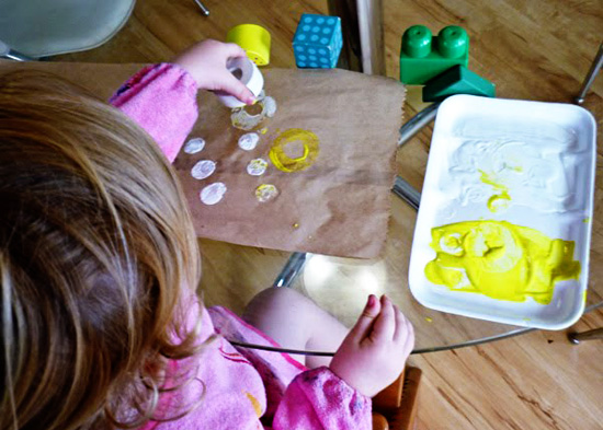 Childhood 101 | Printmaking with children_kids art ideas