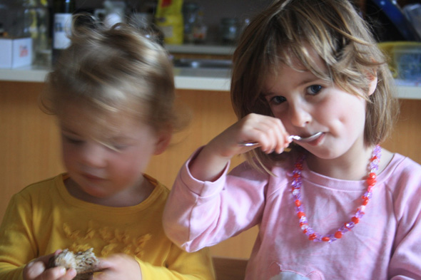 From Fusspot to Foodie: Tips For Broadening Your Toddler's Nutritional Horizons