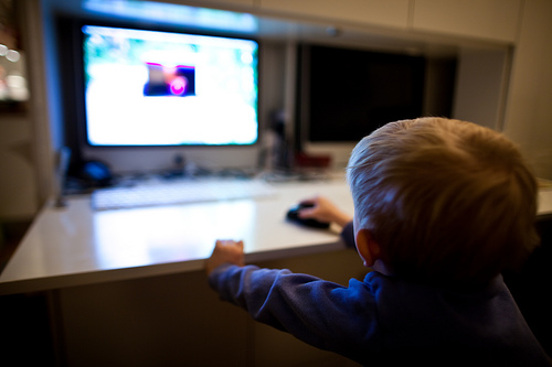 Kids & Computers: 7 Year Olds on Facebook? Really?