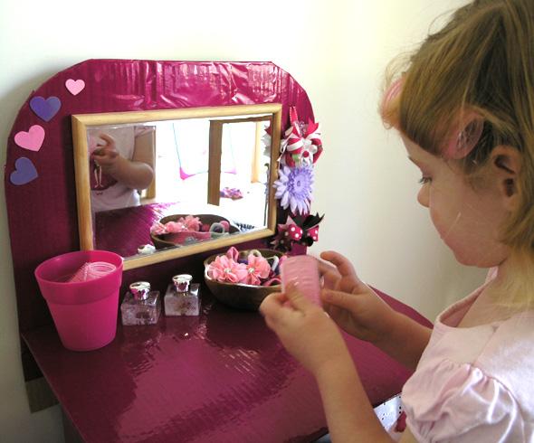 Pretend play hair salon from a cardboard box for 101 beauty salon