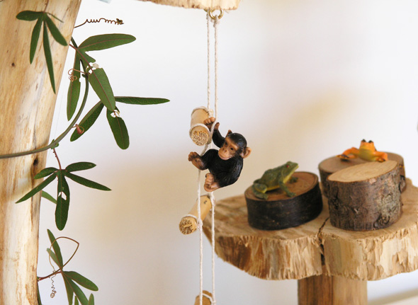Treehouse play scene ladder