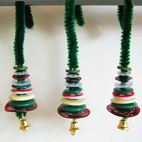 Button Christmas Decorations: Christmas Ornaments Kids Can Make