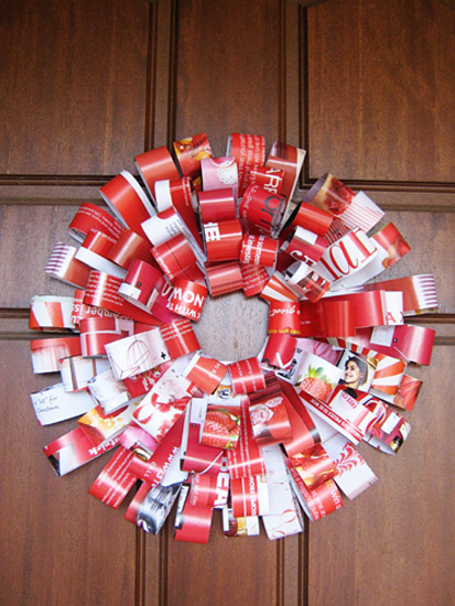 Paper Christmas Wreath from Recycled Magazines