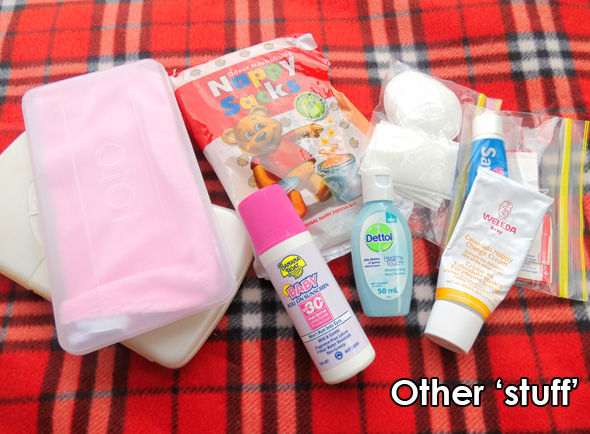 what to pack in a nappy bag