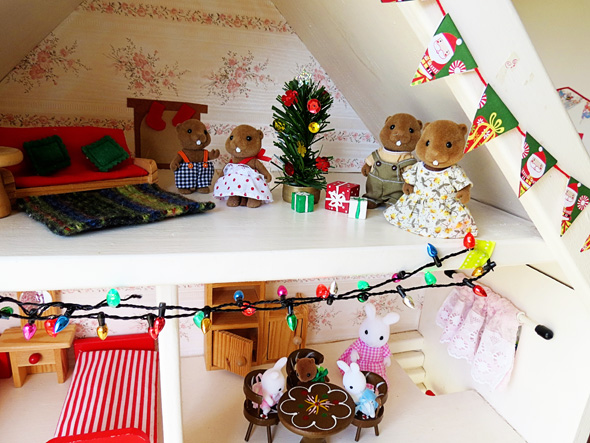 dollhouse christmas play ideas
