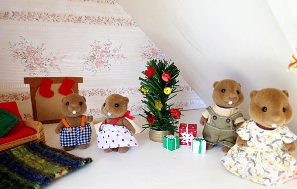 dollhouse christmas play