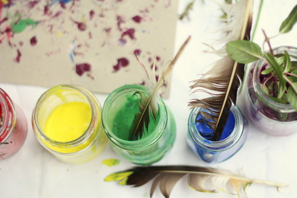 Creative activities for kids - Paint with feathers