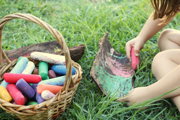 Creative activities for kids - bark drawing with chalk