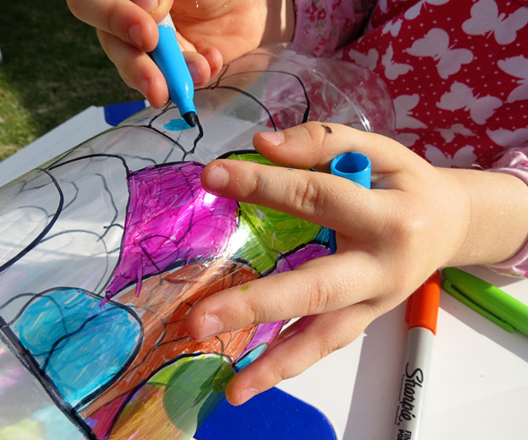 Art Projects for Kids_Recycled Bottle Koinobori Windsock