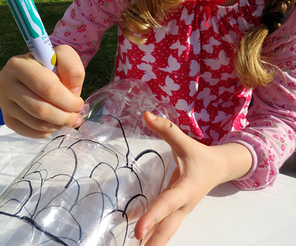 Art Projects for Kids_Recycled Bottle Koinobori