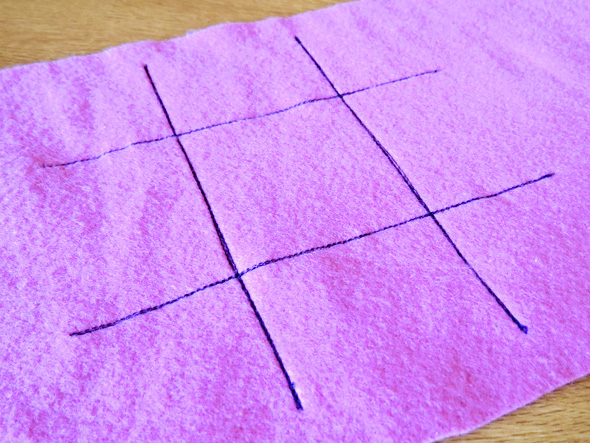 Childhood 101 | Handmade gifts for kids_tic tac toe felt game
