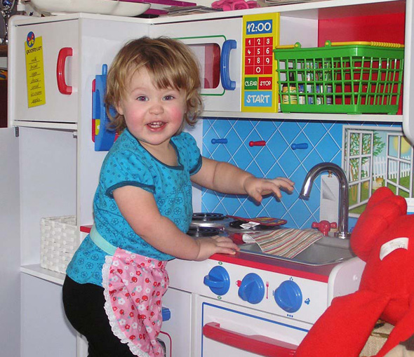 Childhood 101 | Imaginative Play-Play Kitchen Inspiration