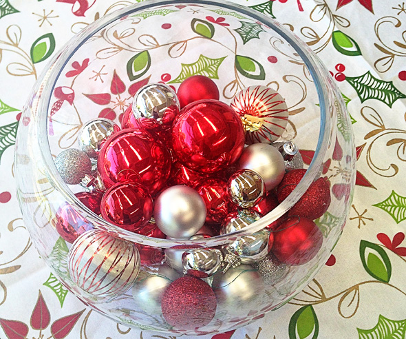 Christmas entertaining ideas- dress the table with ornaments