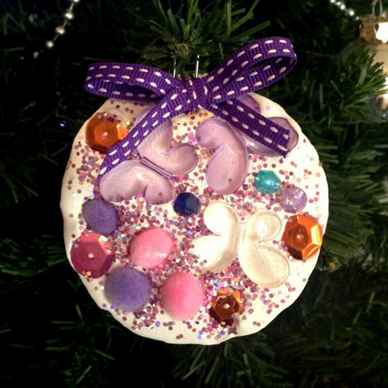 Christmas ideas- Tree decorations for children to make via Childhood 101