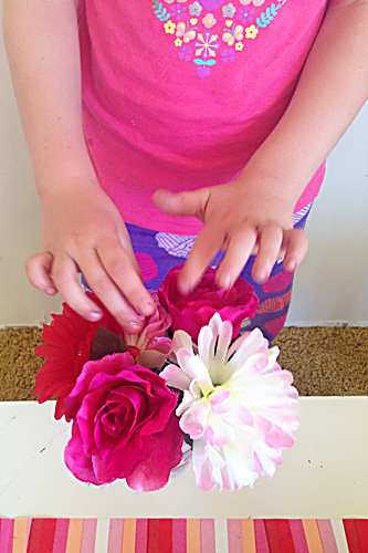 Spring play ideas-flower shop via Childhood 101