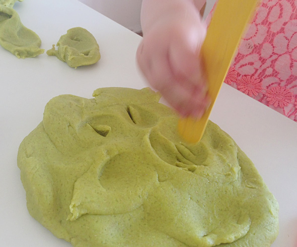 Toddler playdough fun-making impressions via Childhood 101