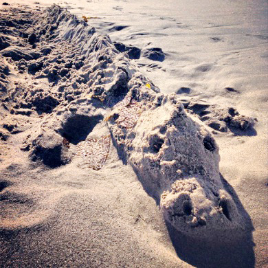 35 Fun Things to Do at the Beach | Sand Art