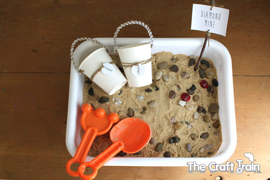 Sensory: Diamond Sand Dig Activity