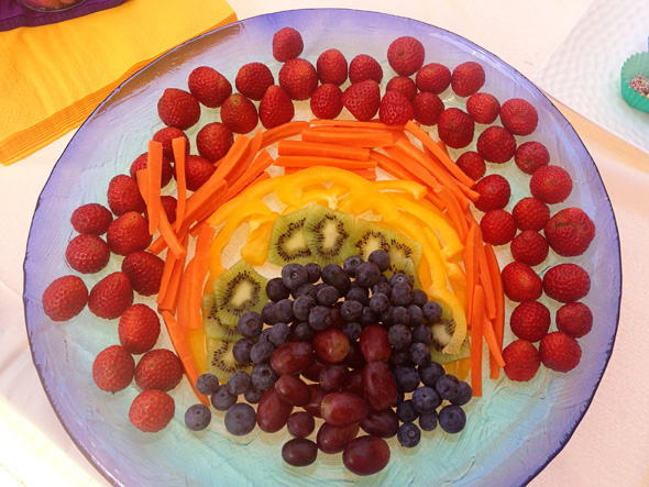 Rainbow fairy party food_ Fruit and vegetable platter