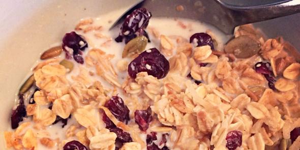 Healthy breakfast recipes: Homemade granola