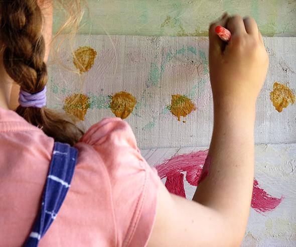 Kids Art: How to Make Chalk Paint