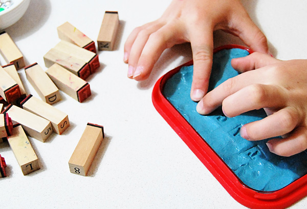 21 silly putty activities. Great for fine motor development. Fine motor activities for kids