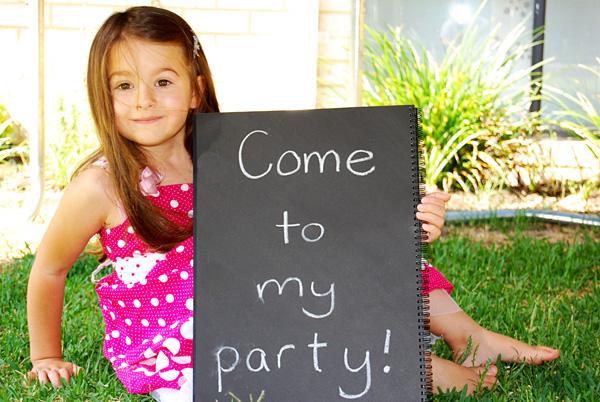 Simple party invitation idea birthday invitation ideas filmwisefo
