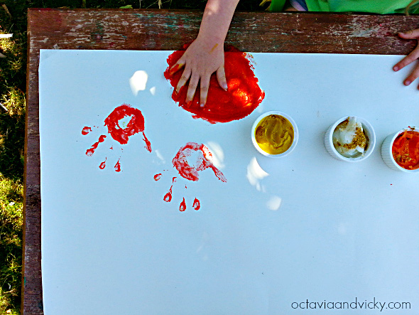 Edible Glitter Finger Paint for kindergarten sensory play