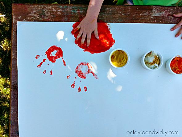 Edible Glitter Finger Paint for kindergarten sensory play