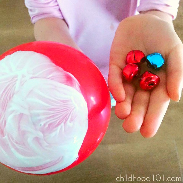Make Christmas Wrapping Paper with kids: Balloon Printing