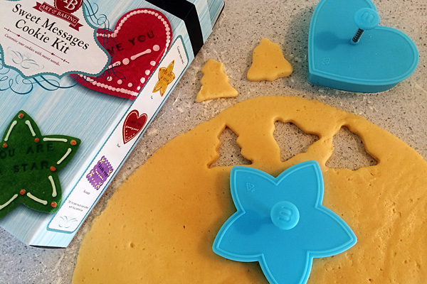 12 Simple Christmas Traditions for Families: Bake together