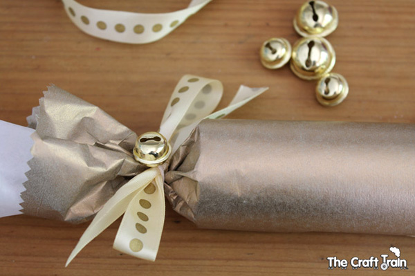 How to make Christmas crackers: A step by step tutorial