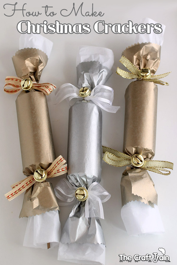 Silver blue christmas crackers for kids