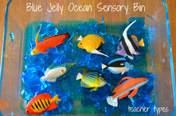 Summer activities: Blue Jelly Sensory Bin