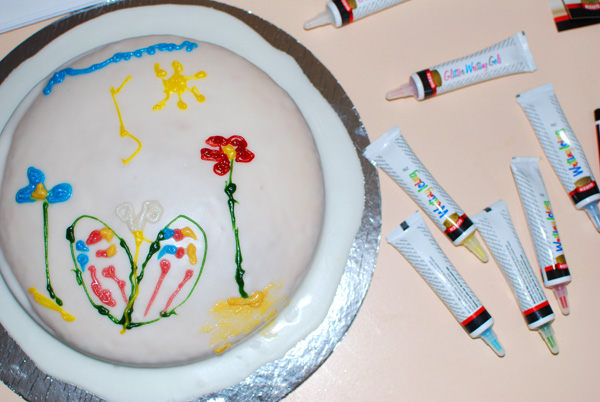 Kids Birthday Traditions: Decorate Your Own Birthday Cake