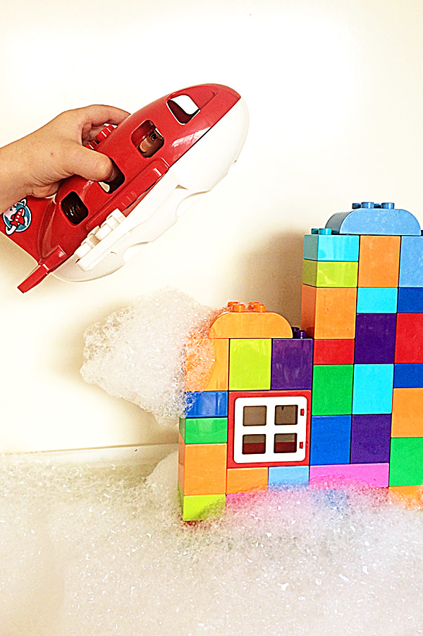 Lego DUPLO bubbles play