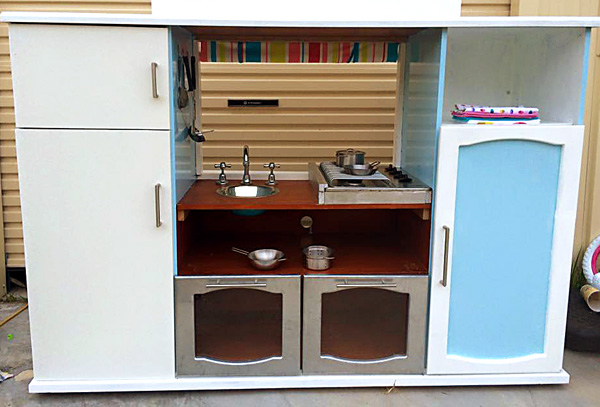 DIY Diner from an upcycled TV unit