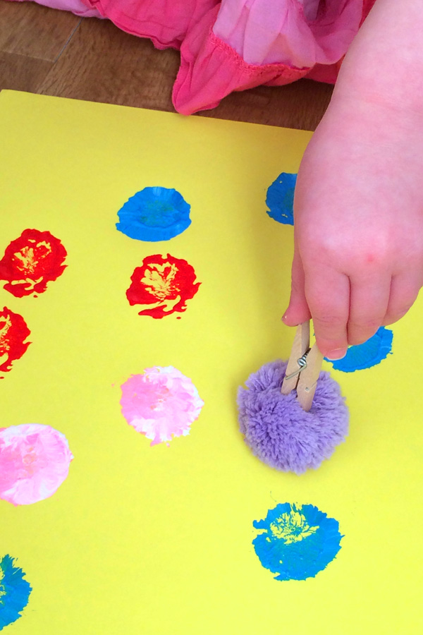 5 Toddler Play Ideas With Pom Poms