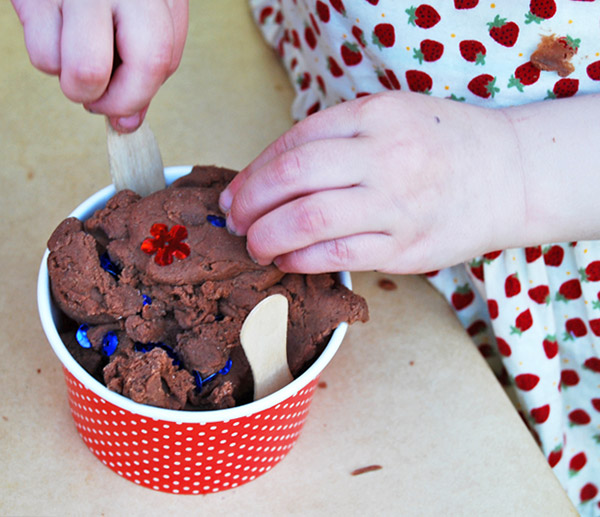Chocolate (Uncooked) Playdough Recipe