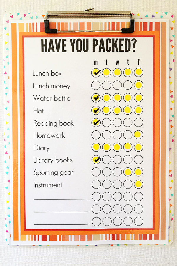 Printable school bag packing list. Get organised for back to school.