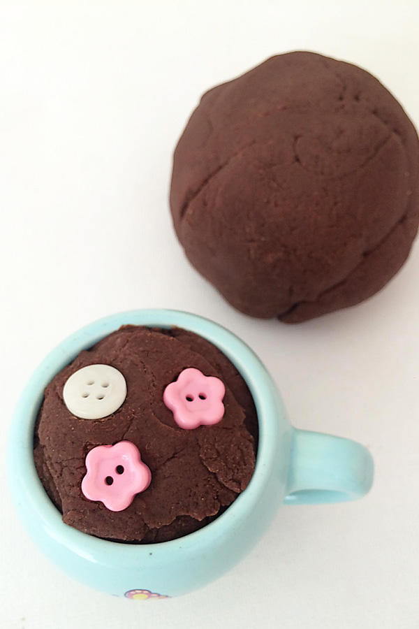 {Not So Hot} Cocoa Playdough Recipe + 3 Ways to Play
