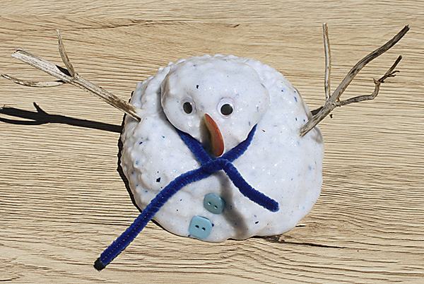 Build a Snowman with this Frosty the Snowman slime recipe