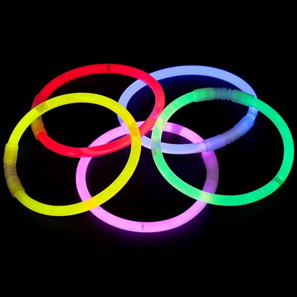 Camping games: Glow stick fun