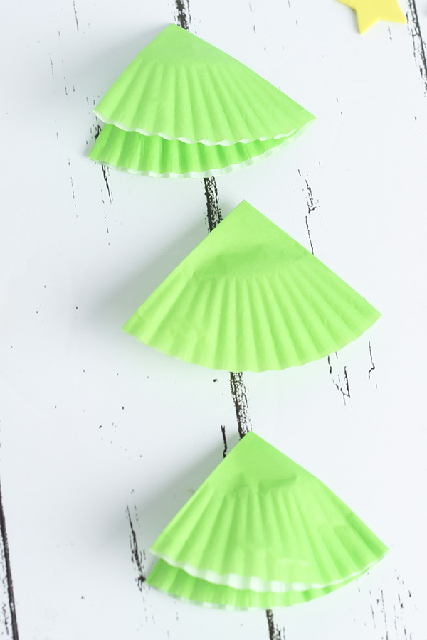 Easy preschool Christmas tree craft idea
