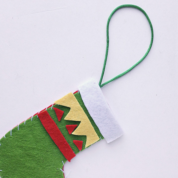 Felt Christmas stocking craft idea for school aged kids