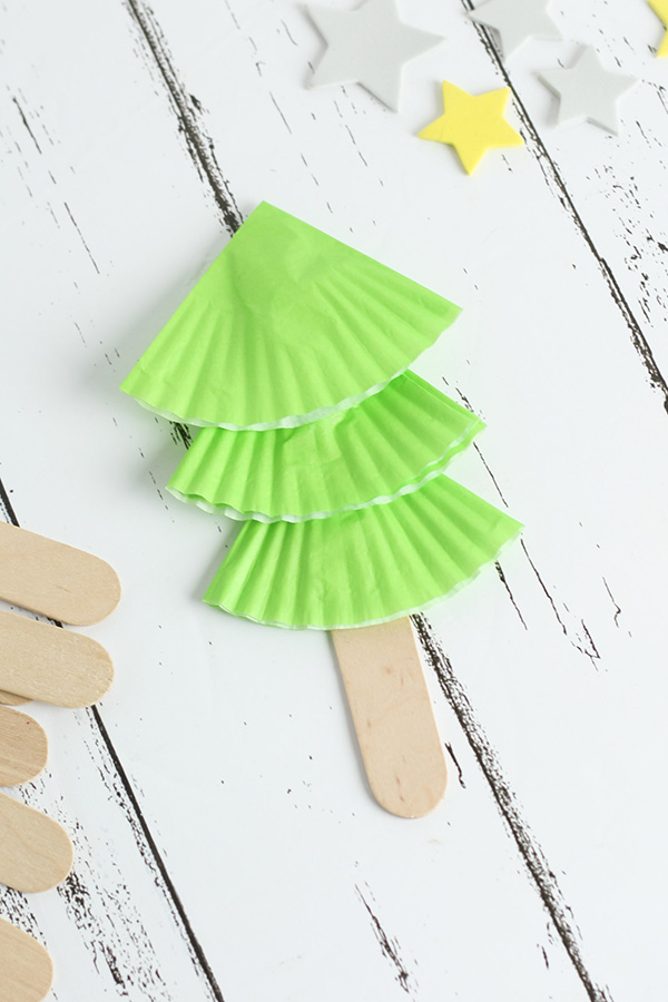 Preschool Christmas tree craft idea