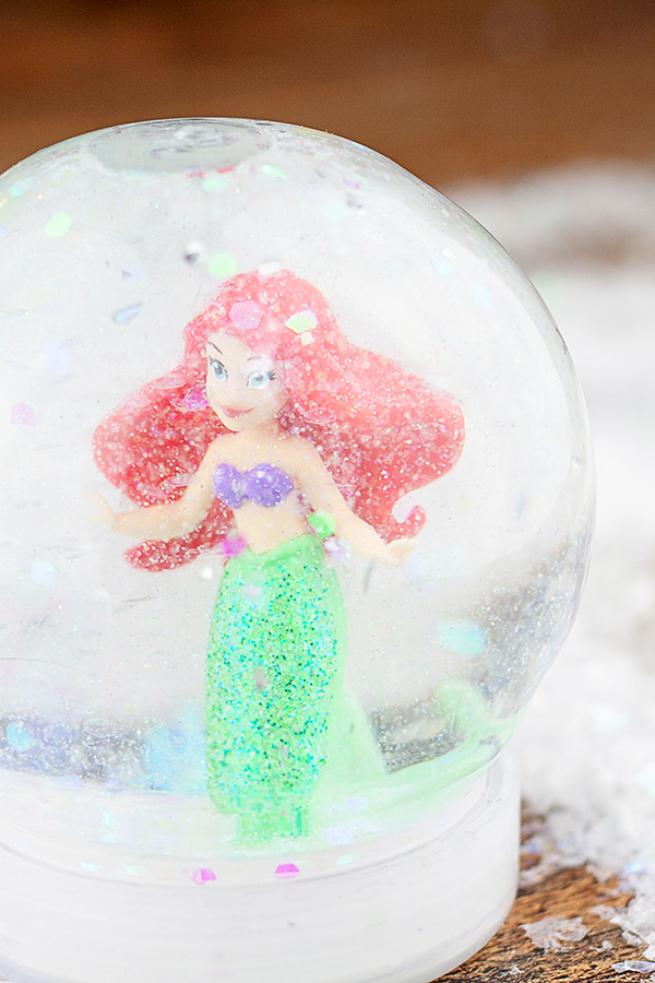 Kids craft DIY snow globe tutorial