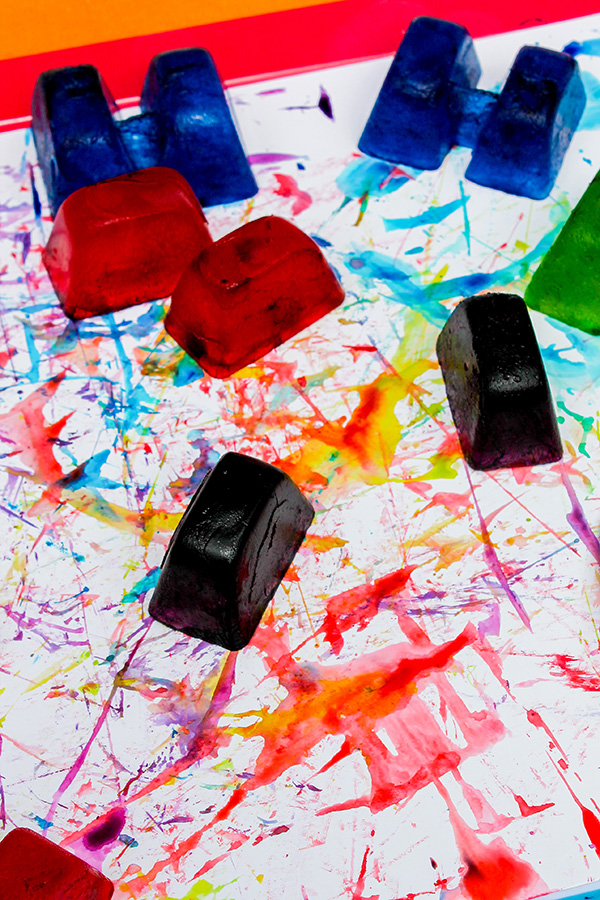 Ice painting sensory play for toddlers and preschoolers