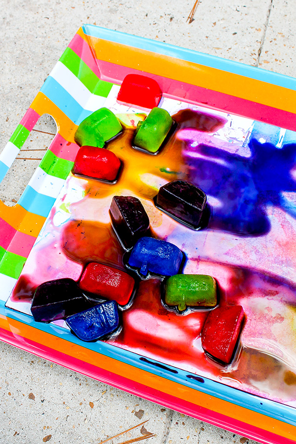 Ice play sensory idea for toddlers and preschoolers