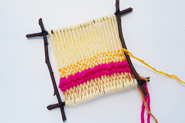 Weaving on a twig frame tutorial step 13